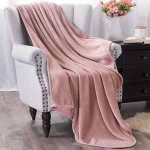 """🌻 3 for $25 🌻 Rose Gold Velvet 50"""" x 60"""" Blanket"""
